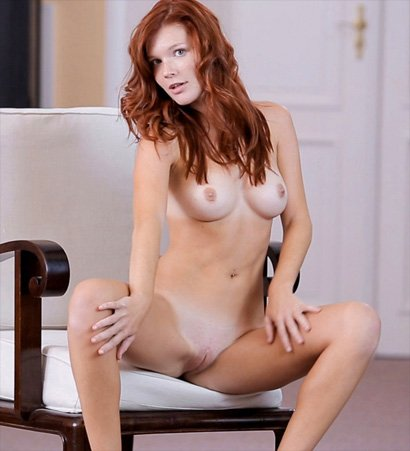 mia sollis totally shaved pussy